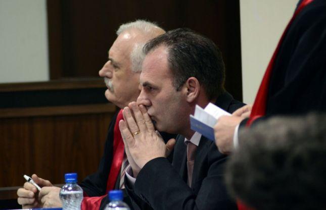 LAJMI I FUNDIT  Lirohet Fatmir Limaj