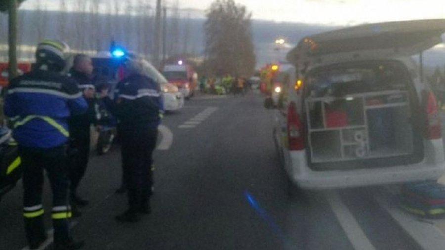 Treni përplaset me një autobus shkolle  4 fëmijë të vdekur në Francë